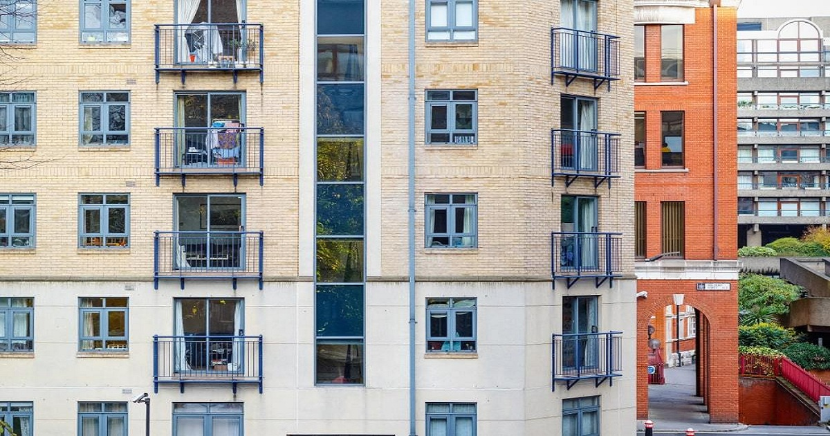 Government low target for social housing criticised