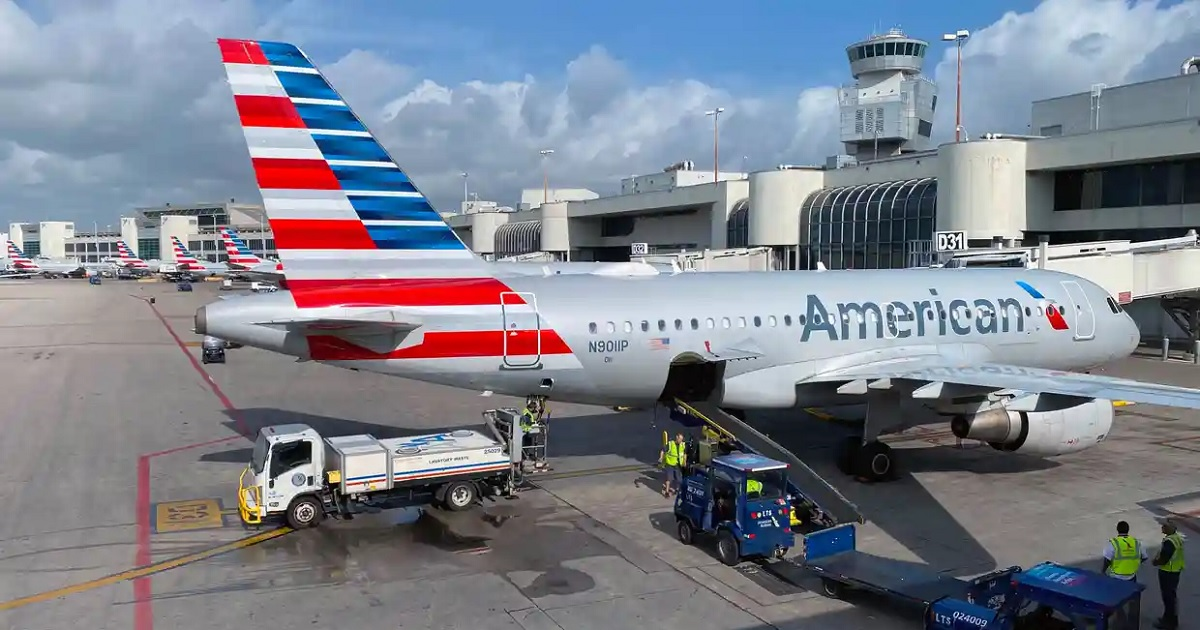 US government agrees on $25bn bailout for airlines as pandemic halts travel