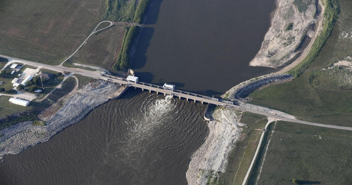 MISSISSIPPI SUES FEDERAL GOVERNMENT OVER LOUISIANA DAMS